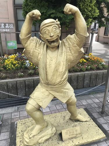 亀有のこち亀銅像